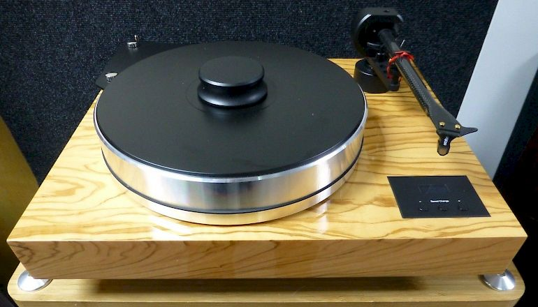 Image of Used  Pro-ject Xtension 10 Evolution Turntable  for sale
