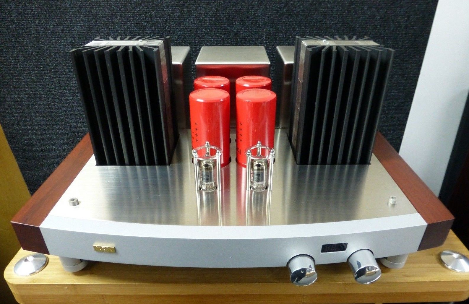 Picture of Pathos Twin Towers Valve Tube Integrated Amplifier
