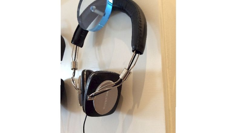 Image of Ex-demo  Bowers & Wilkins P5  for sale