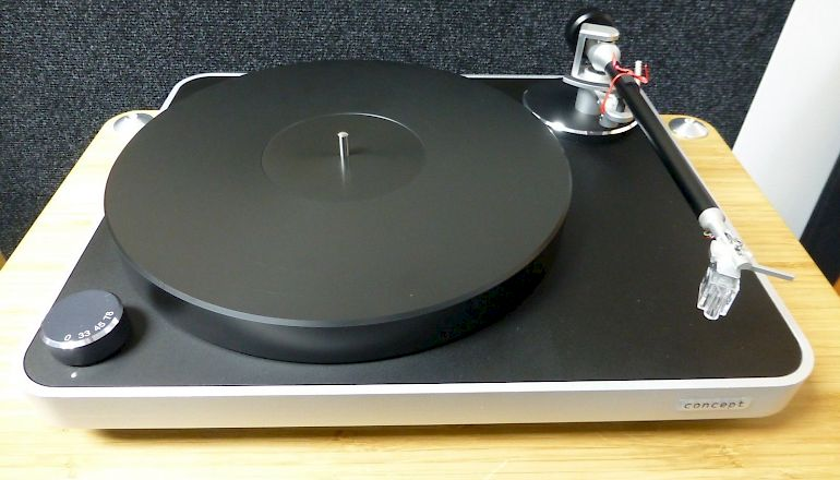 Image of Used  Clear Audio Concept Turntable with Essence MC Cartridge  for sale