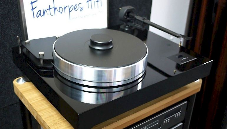 Image of Used  Pro-ject Xtension 12 Turntable  for sale