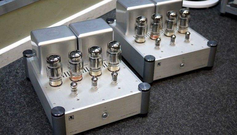 Image of Used  JE Audio VM60 Valve Mono Power Amplfiers  for sale