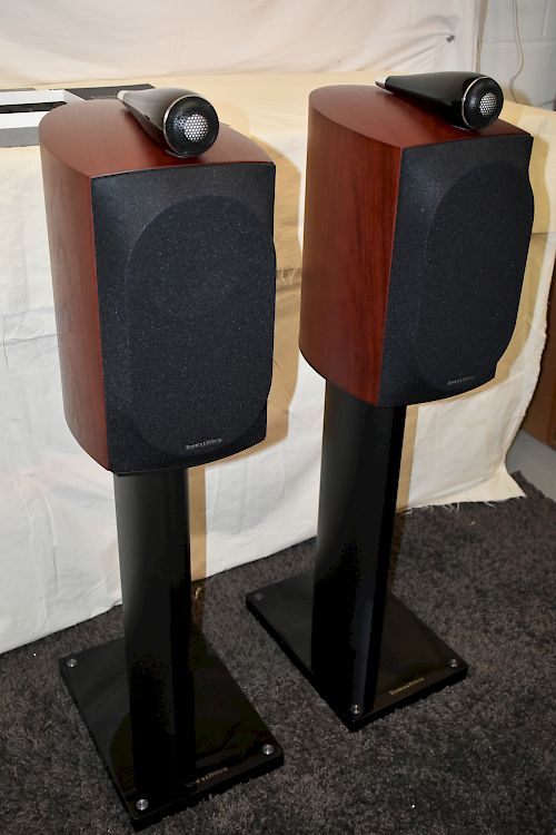 Thumbnail Image of Bowers & Wilkins B&W 805 D3 Stand Mount Speakers For sale at iDreamAV