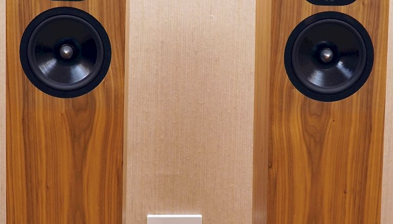 Image of Ex-demo  Neat Acoustics Momentum SX5i  for sale