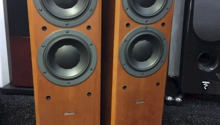 Image of Used  Dynaudio Focus 220  for sale