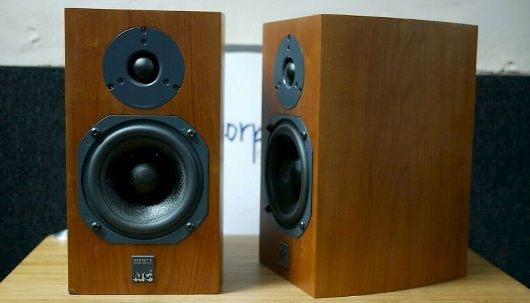 Image of Used  ATC SCM7 Standmount Speakers  for sale