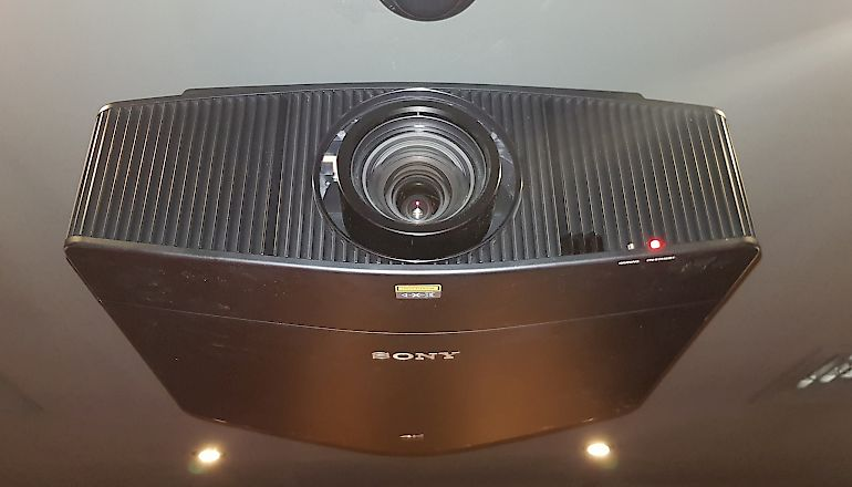 Image of Ex-demo  Sony VPL-VW870ES  for sale
