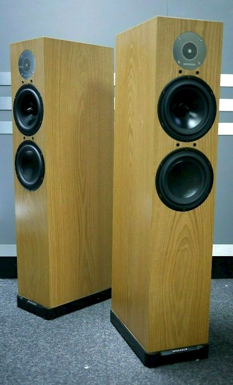 Thumbnail Image of Spendor D7 Floorstanding Speakers For sale at iDreamAV