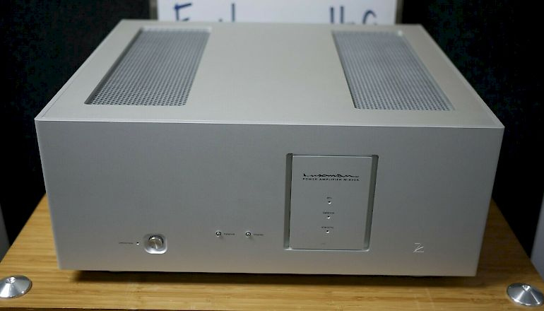 Image of Used  Luxman M-600A Stereo Power Amplifier  for sale