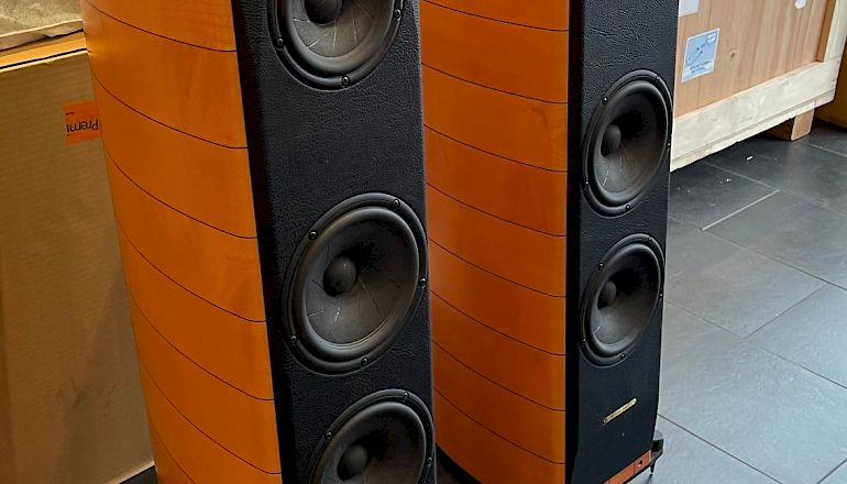 Image of Used  Sonus Faber Cremona  for sale