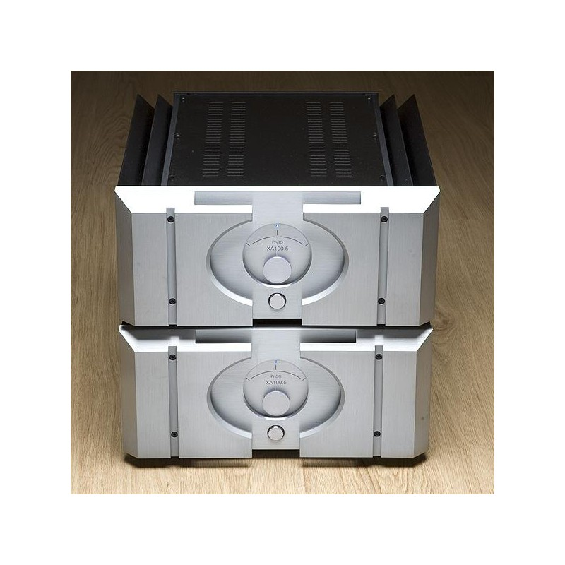 Picture of Pass Labs XA100.5 Monoblock amplifiers