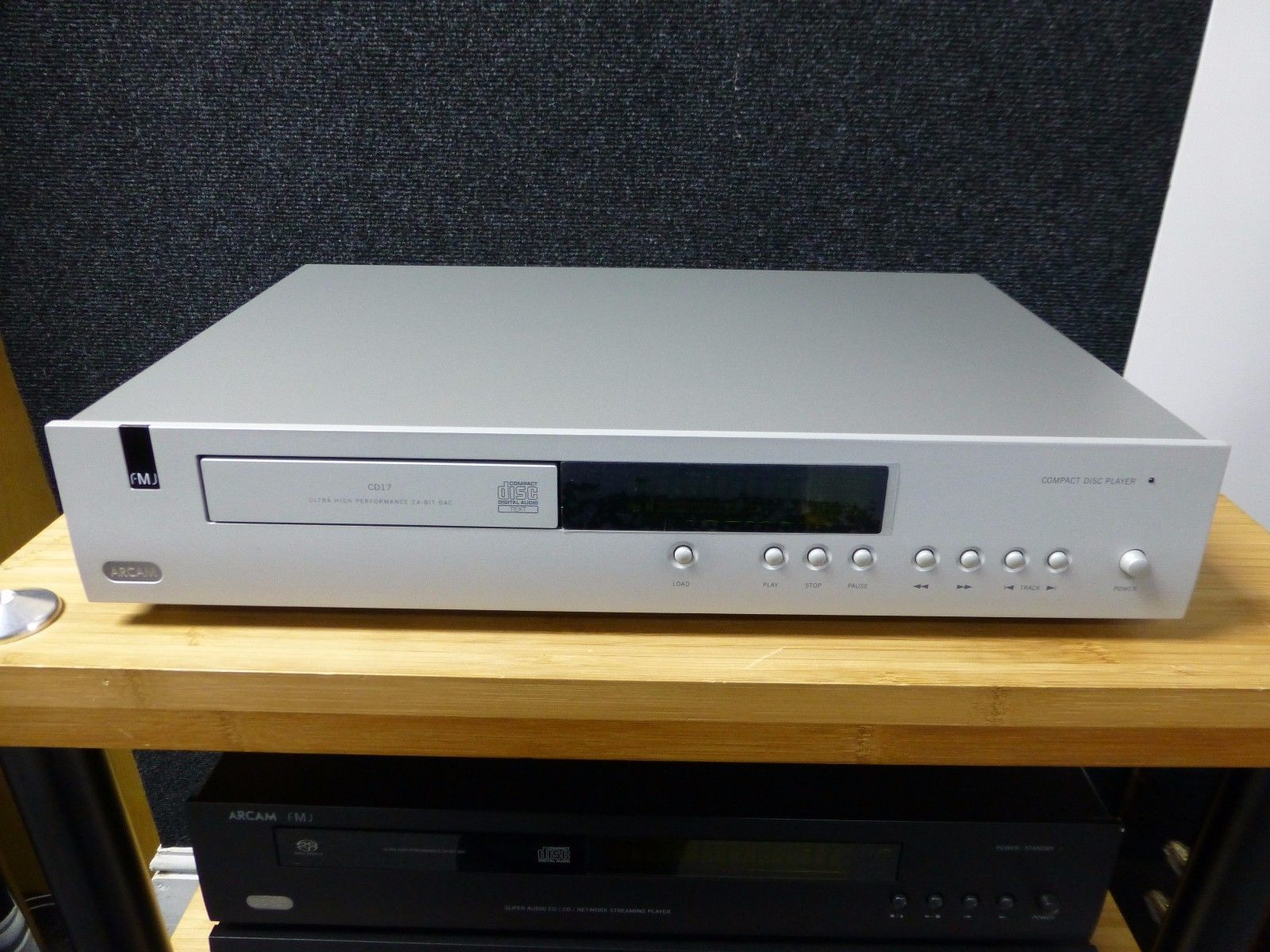 Picture of Arcam FMJ CD17 CD Player