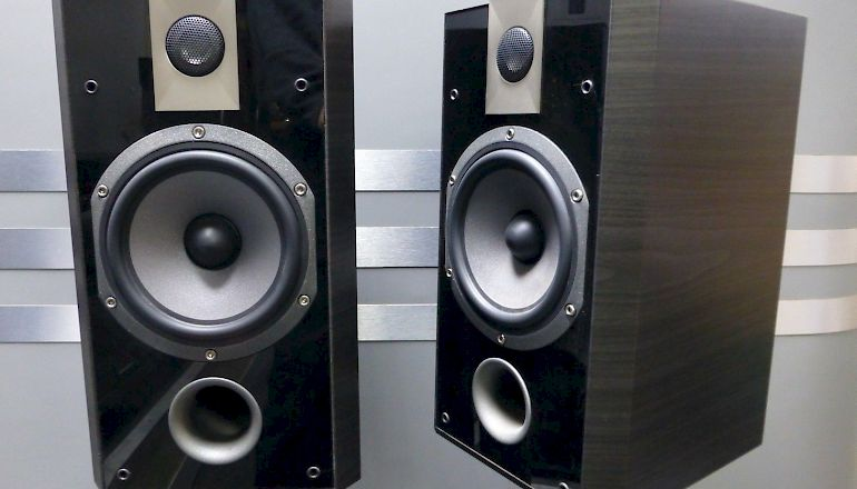 Image of Used  Focal Chorus 806V Standmount Speakers  for sale
